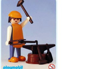 Playmobil - 3370 - Blacksmith and Anvil