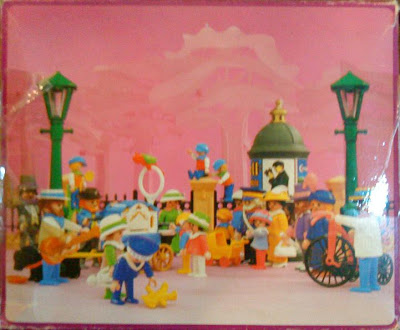 Playmobil 5550 - Organ Grinder With Children - Back