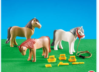 Playmobil - 7435 - 3 Ponies with accesories