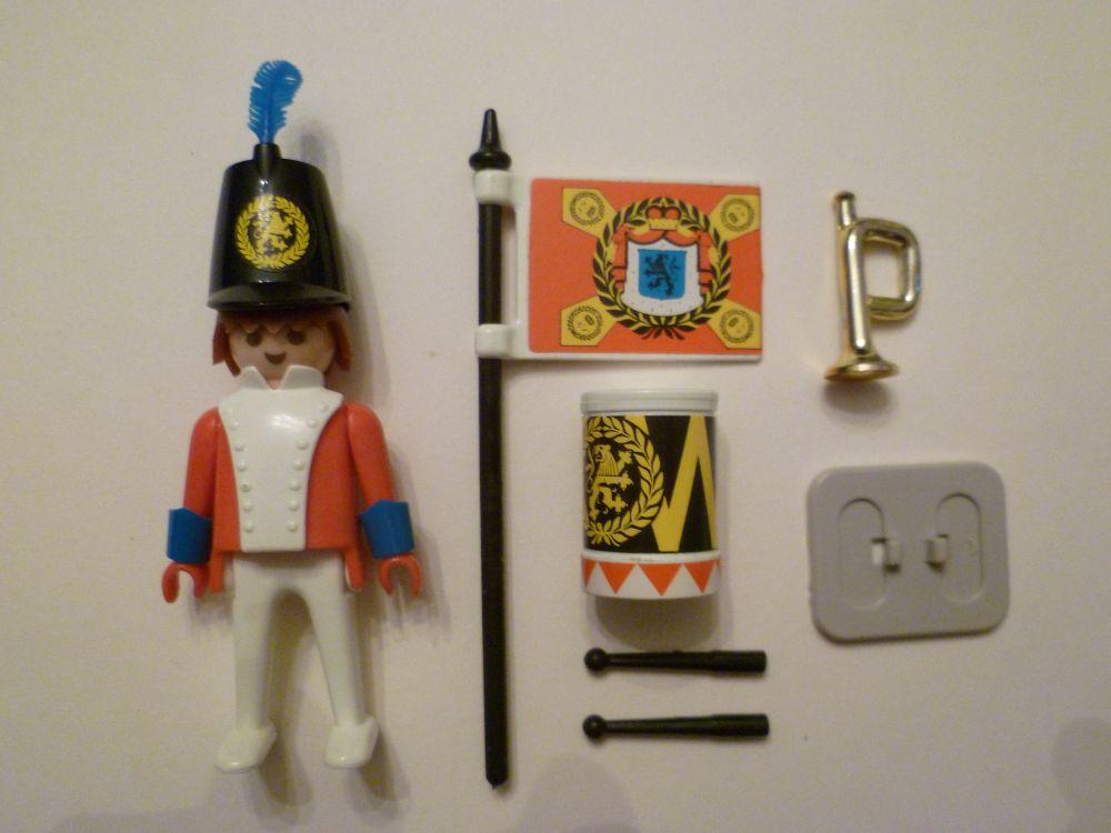 Playmobil 3388 - redcoat guard / flag - Back