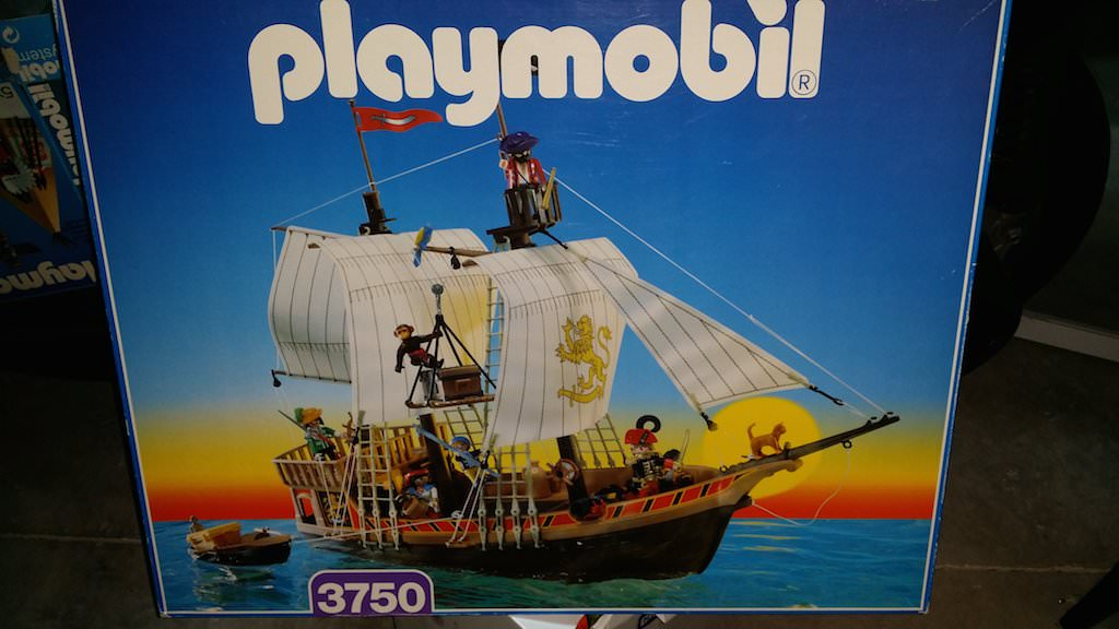 Playmobil 3750v2 - Pirate ship - Box