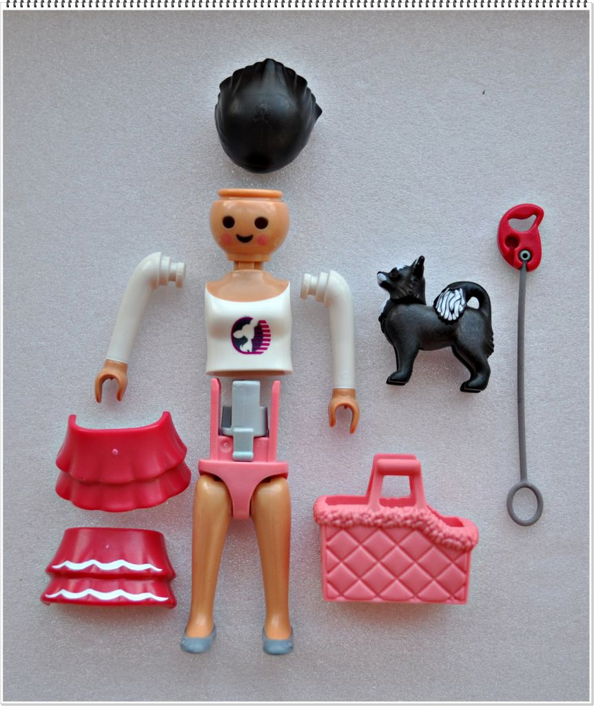 Playmobil 5597v5 - Woman with dog - Back