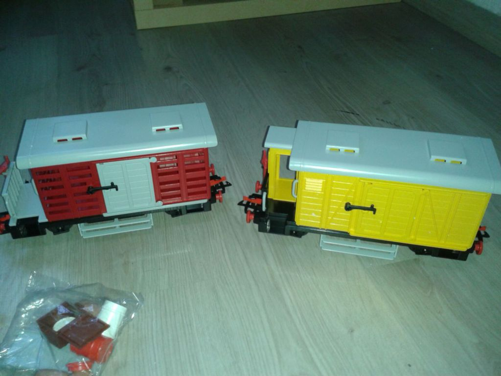 Playmobil 4029-usa - Steam Freight Train Set - Back