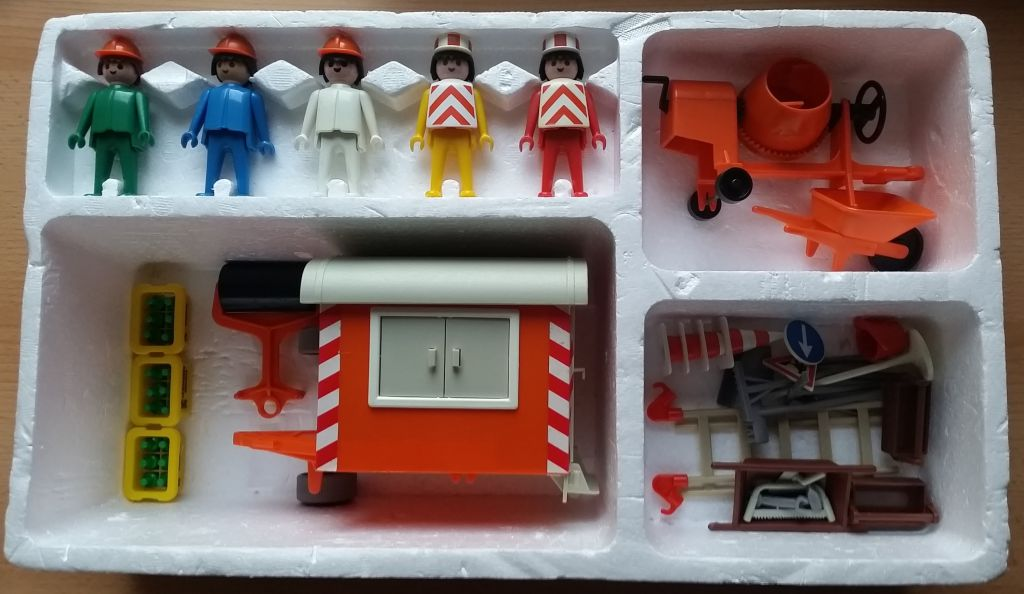 Playmobil 3151s1 - Construction Trailer and Workers - Back