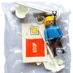 Playmobil 3324s1-ant - policeman - Back