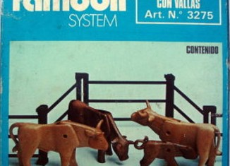 Playmobil - 3275-fam - Cows and Calves with Catles