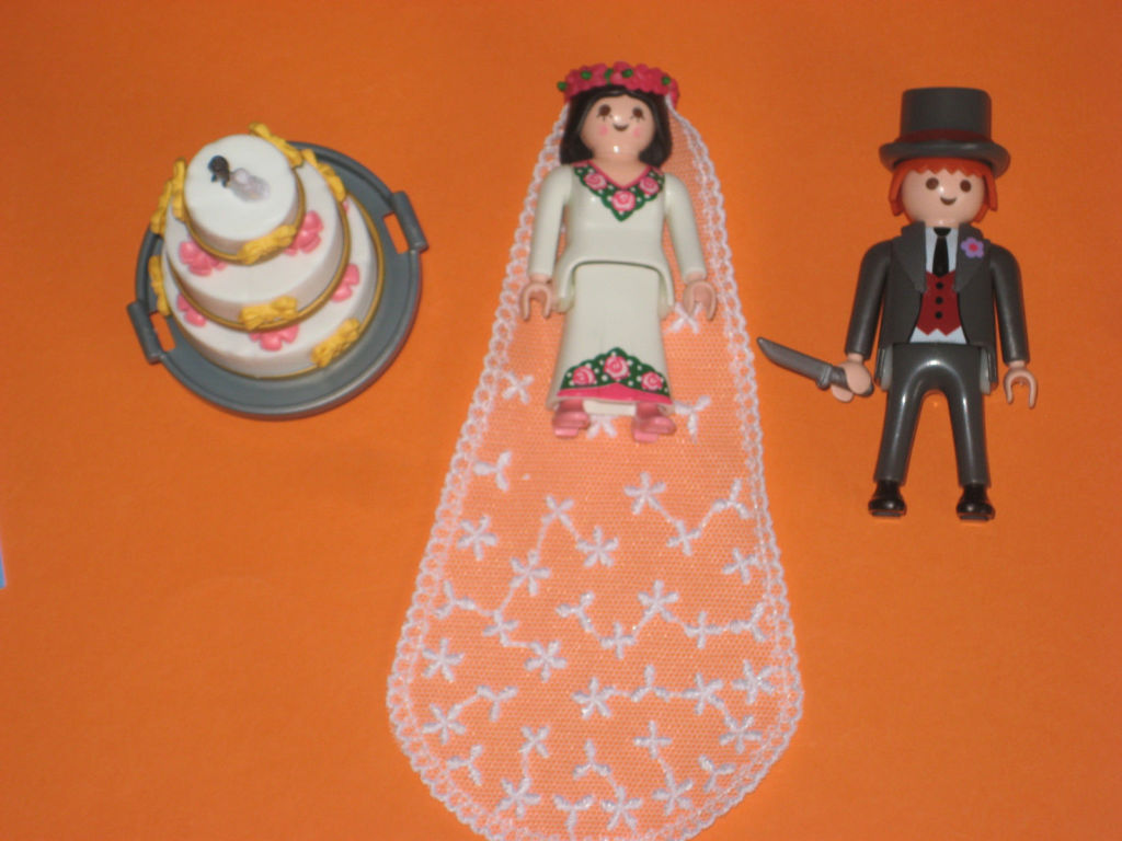 Playmobil 4298 - Bridal Pair and Wedding Cake - Back