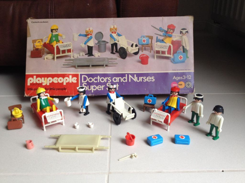 Playmobil 1740-pla - Doctors and Nurses Super Set - Box