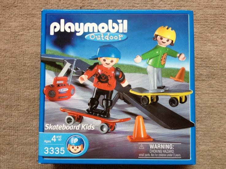 Playmobil 3335s2 - Skateboarder Children - Box