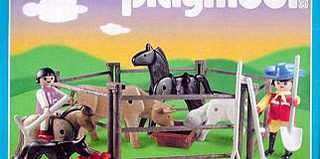 Playmobil - 3335s2v2-ant - Farmers and Animal Pen
