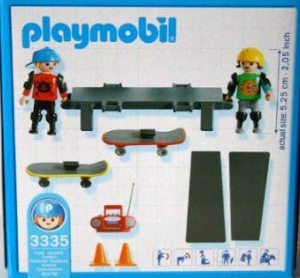 Playmobil 3335s2 - Skateboarder Children - Back
