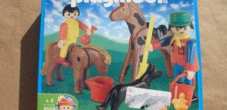 Playmobil - 9508-ant - Farmkeeper and animals