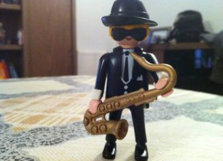 Playmobil - 0000v2 -  Saxophone Player - Coolee