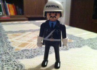Playmobil - 0000 - Malta Policeman I