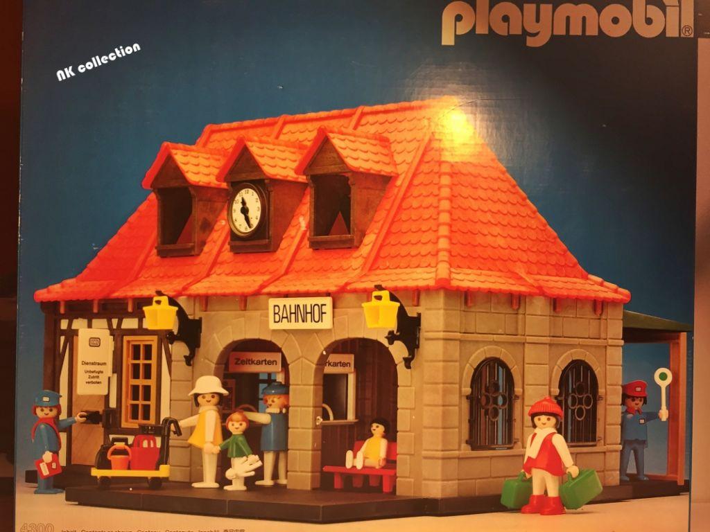 Playmobil 4300v1 - Main Station historic house - Box