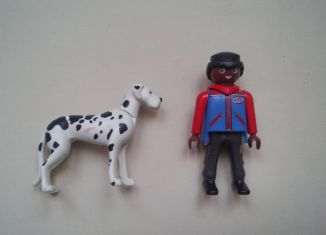 Playmobil - 30791393v4-ger - Mini surprise - Boy with dog