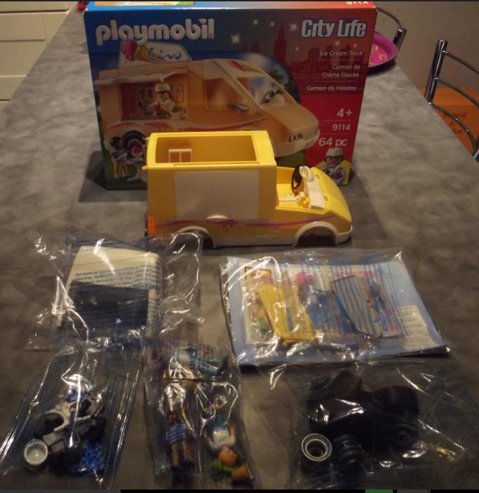 Playmobil 9114-usa - Ice Cream Truck - Back