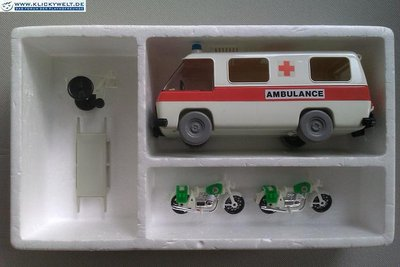 Playmobil 3157s1 - Ambulance with Police and Rescue Workers - Box