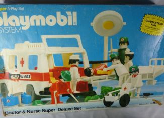 Playmobil - 1804v1-sch - Doctor & Nurse Super Deluxe Set