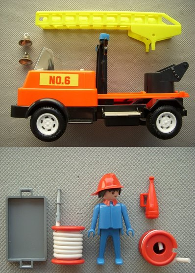 Playmobil 3236s1v3 - Fire truck - Back