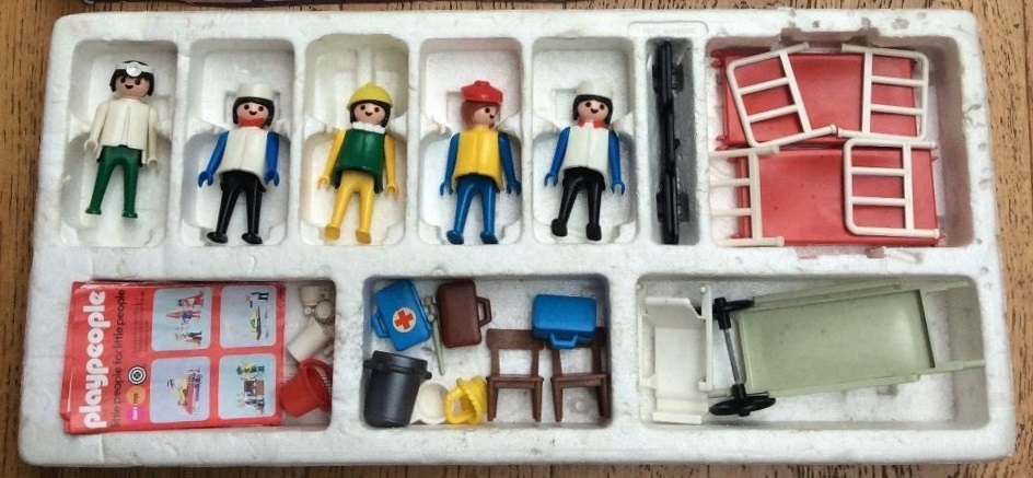 Playmobil 1740-pla - Doctors and Nurses Super Set - Back