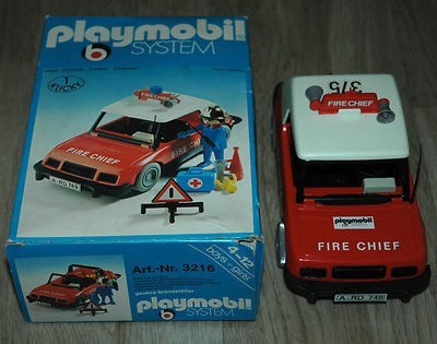 Playmobil 3216s1 - Fire Chief Car - Back
