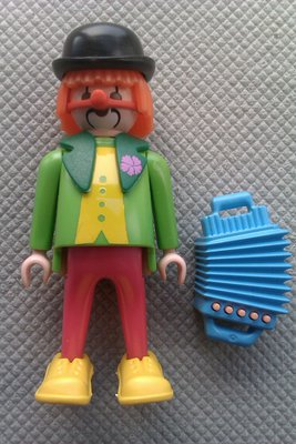 Playmobil 3319s1 - Clown With Accordion - Back