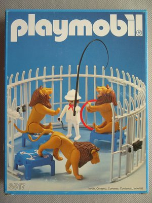 Playmobil 3517s1v2 - Lions, Cage and Trainer - Box