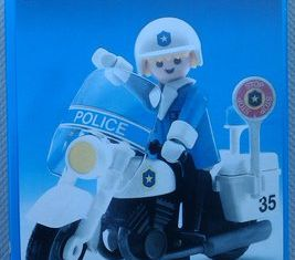 Playmobil - 3564s2v2 - Policeman On Motorcycle