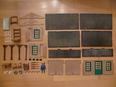Playmobil 3427 - Farm House - Back