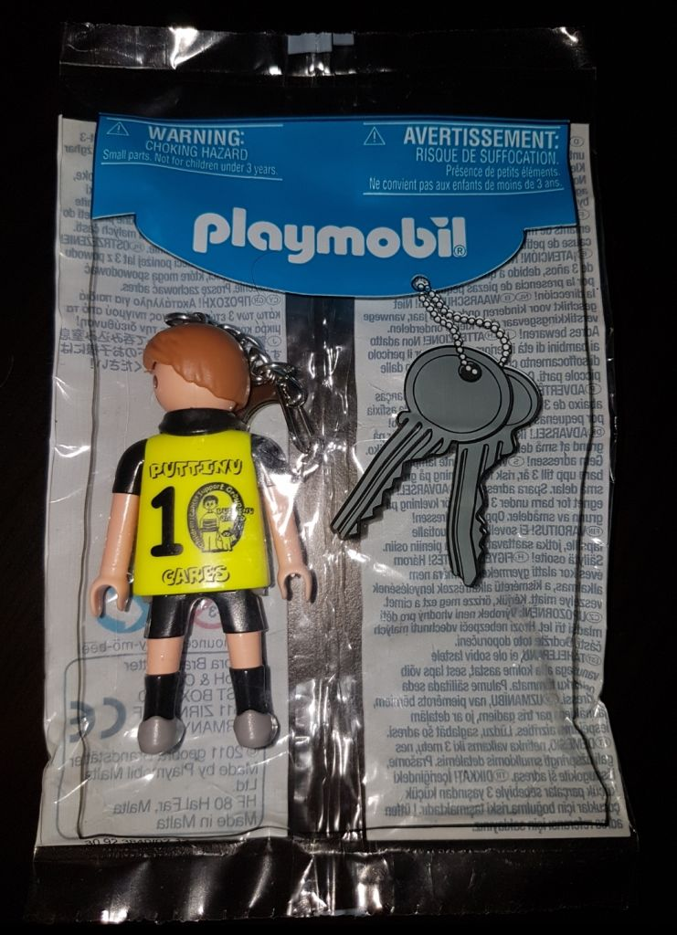 Playmobil 30923840-ger - Soccer player keychain Puttino Cares - Box