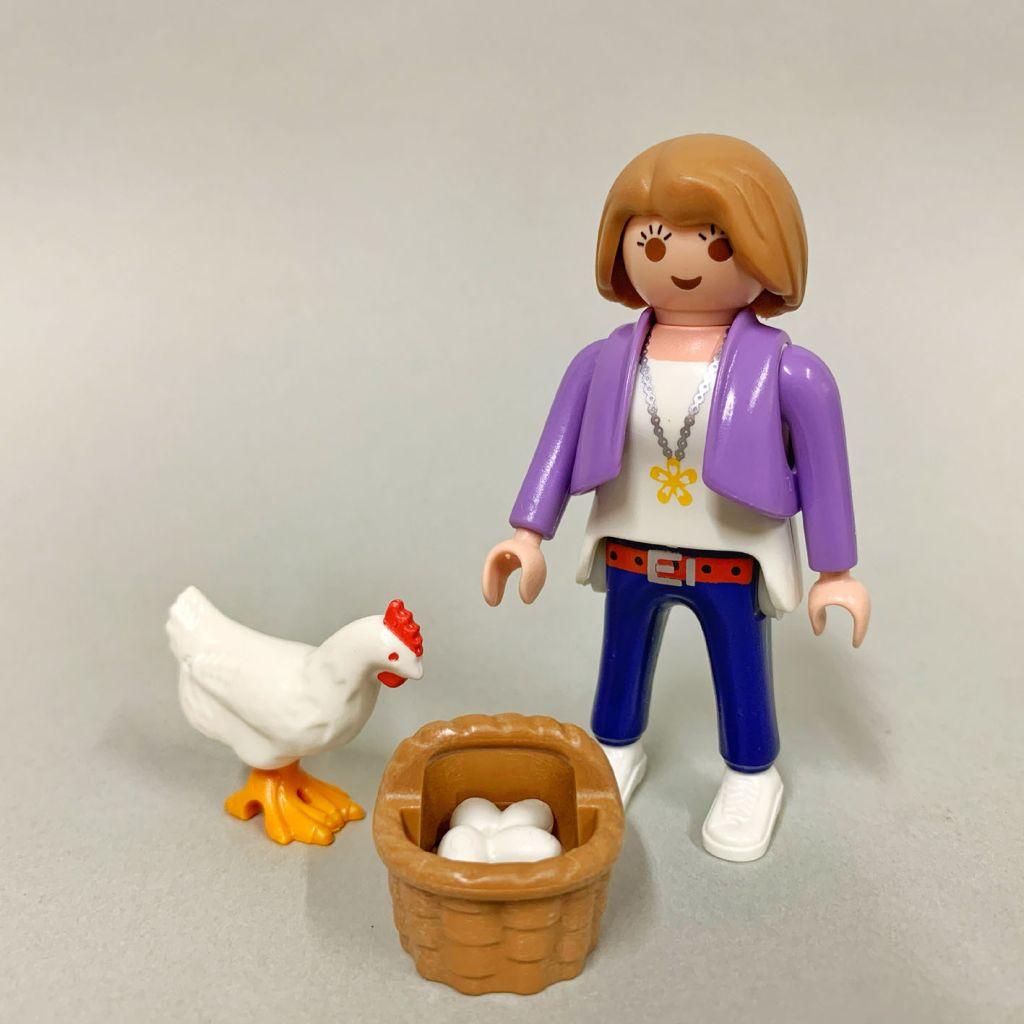 Playmobil Set: 70372-ger - MILKA. Girl with hen - Klickypedia