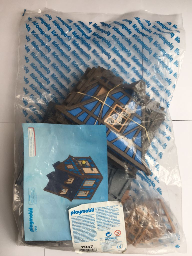 Playmobil 7847 - Blue timbered house - Box