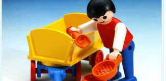 Playmobil - 3356 - Boy With Sand Toys