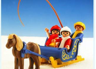 Playmobil - 3391 - Traîneau attelle poneys / enfants