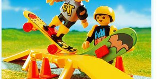 Playmobil - 3709 - Children With Two Skate-Boards