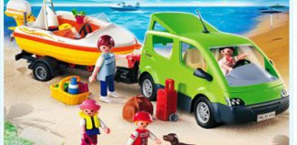 Playmobil - 4144 - Family Van with Boat Trailer