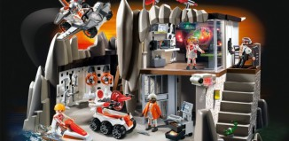 Playmobil - 4875 - Secret Agent Headquarters with Alarm System