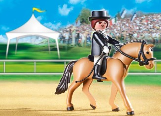 Playmobil - 5111 - German Sport Horse with Dressage Rider and Stable