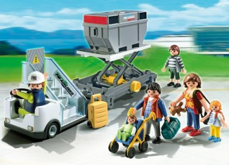 Playmobil - 5262 - Aircraft Stairs with Passengers and Cargo