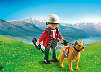 Playmobil - 5431 - Mountain Rescuer with Search Dog