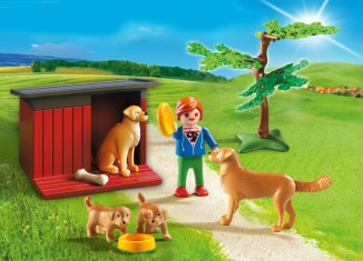 Playmobil - 6134 - Golden Retrievers with Toy