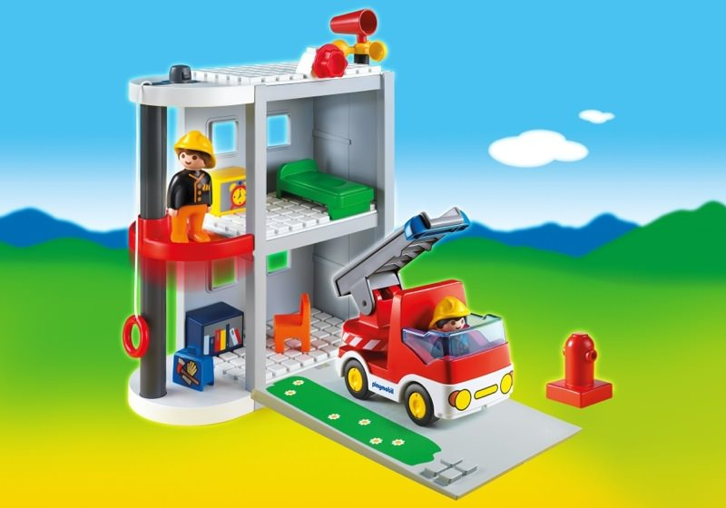 playmobil set 6777 1 2 3 take along fire station. Black Bedroom Furniture Sets. Home Design Ideas